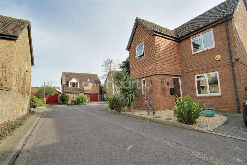 4 Bedrooms Detached House for rent in Conrad Close,Grays, RM16