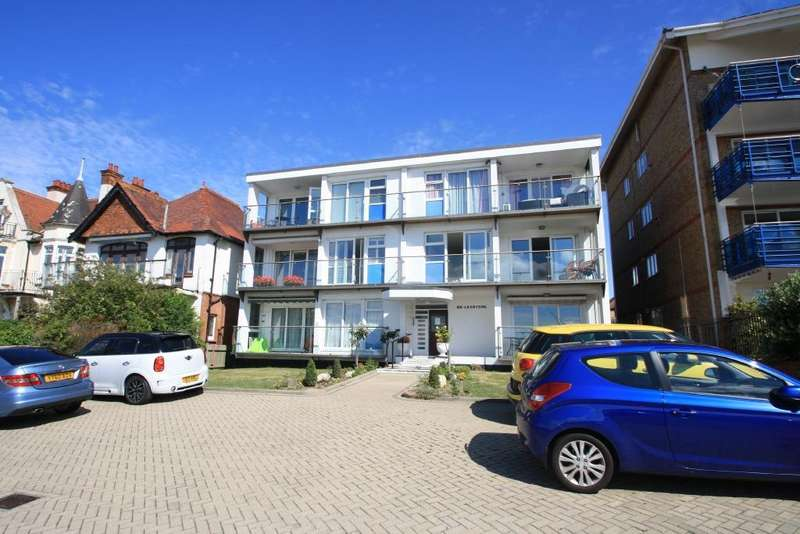 3 Bedrooms Apartment Flat for sale in Leastone, The Leas, Chalkwell