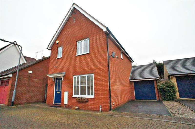 3 Bedrooms Detached House for sale in Little Street, Waltham Abbey