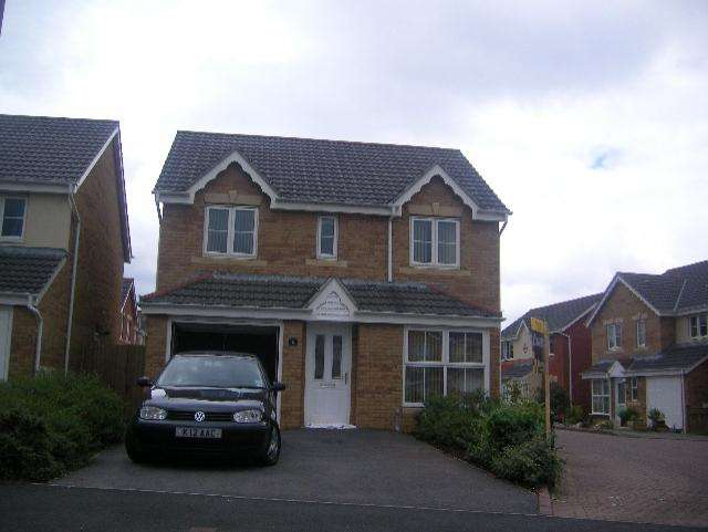 4 Bedrooms Detached House for rent in Llys Ael Y Bryn, Birchgrove, SA7 0HB