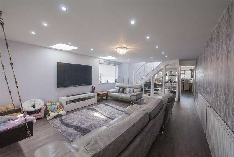 5 Bedrooms House for sale in Wentworth Road, Hertford