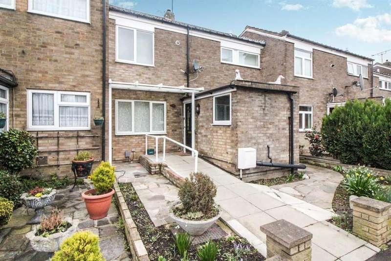 3 Bedrooms Terraced House for sale in Longcroft Drive, Waltham Cross, Herts, EN8