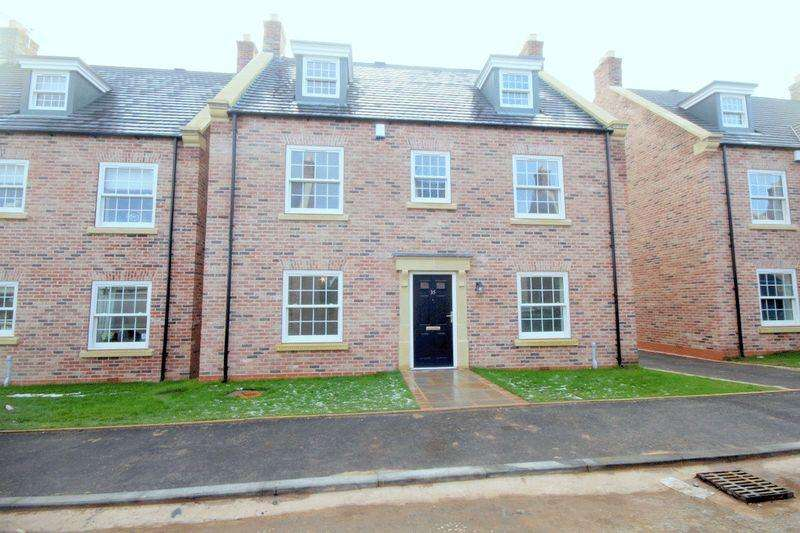5 Bedrooms Detached House for sale in The Gleneagles, Trentham