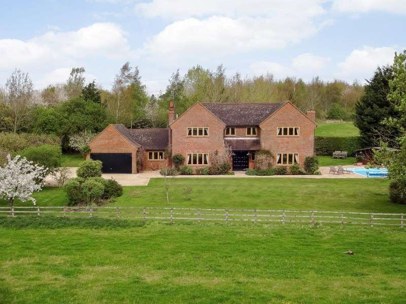 5 Bedrooms Detached House for rent in Bicester Road, Kingswood, Buckinghamshire