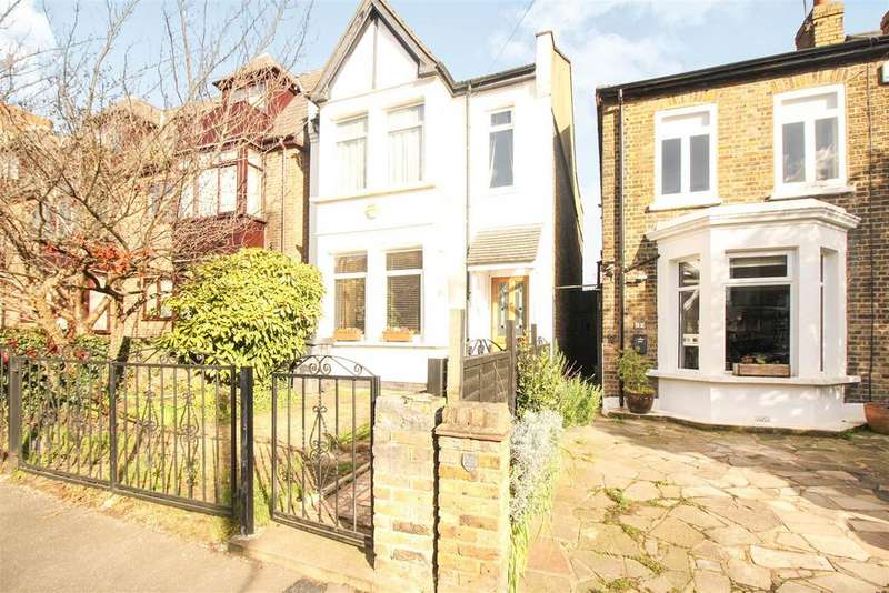 3 Bedrooms Detached House for sale in Stanhope Road, London