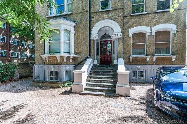 2 Bedrooms Flat for sale in Wickham Road, Brockley