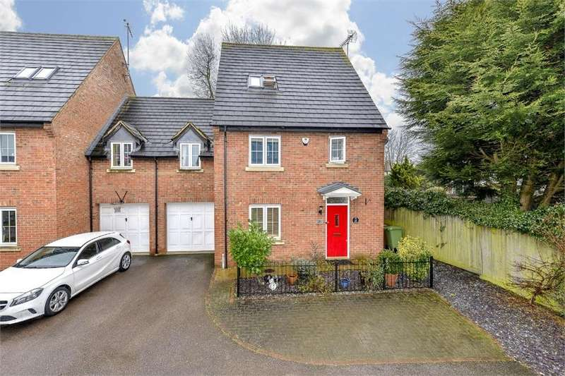 3 Bedrooms Semi Detached House for sale in Ivy Lane, Finedon, Northamptonshire