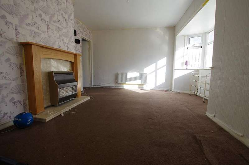 4 Bedrooms Terraced House for rent in TRISTRAM AVENUE, WEST BOWLING, BRADFORD, BD5 8QT