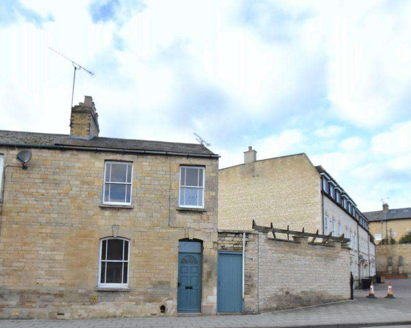 2 Bedrooms House for sale in Wharf Road, Stamford