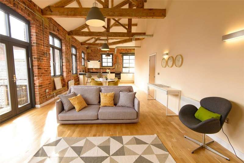 2 Bedrooms Flat for sale in Shearers House, East Street, Leeds, West Yorkshire, LS9