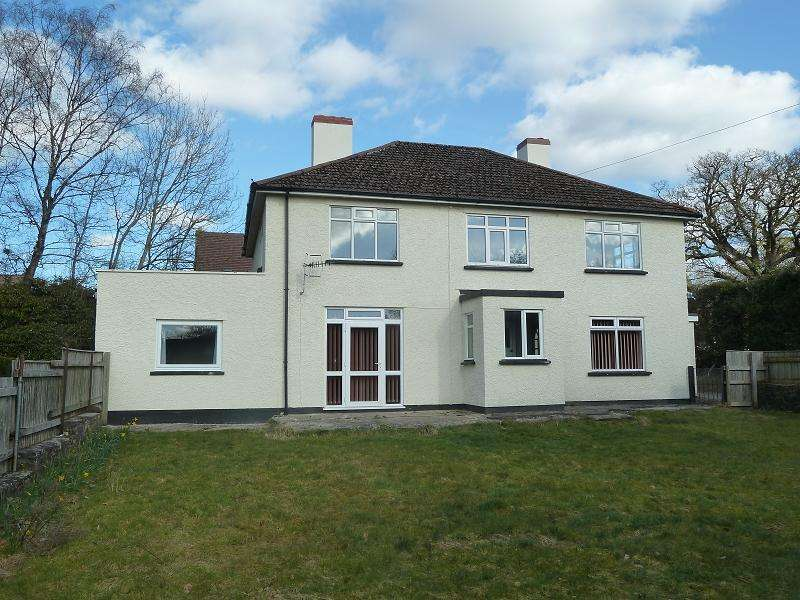 4 Bedrooms Detached House for sale in Sennybridge, Brecon, Powys.