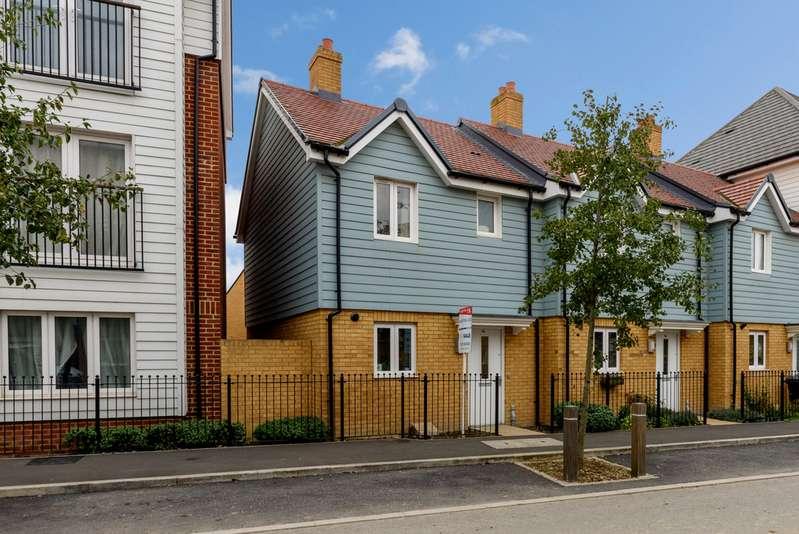2 Bedrooms Semi Detached House for rent in Sir Henry Brackenbury Road TN23