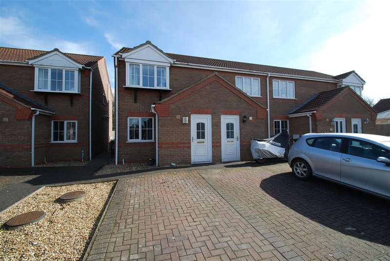 2 Bedrooms Terraced House for sale in Winston Drive, Skegness