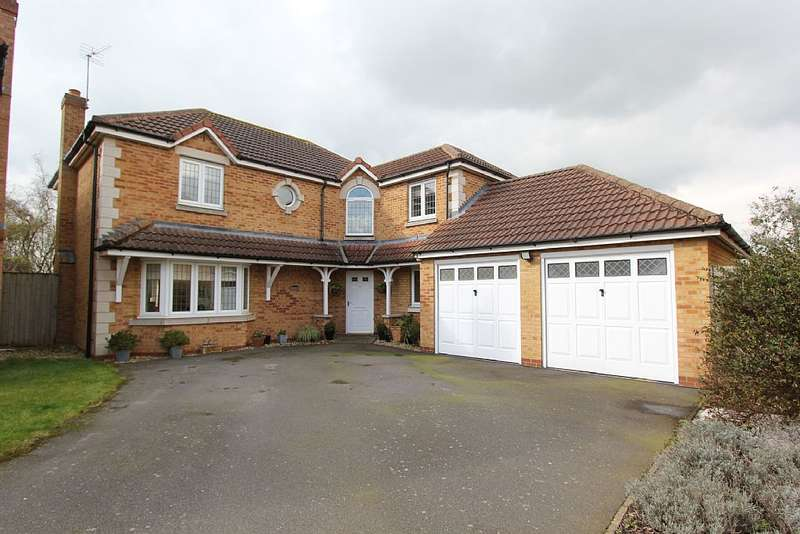 4 Bedrooms Detached House for sale in Fell Close, Fleckney, Leicestershire, LE8 8DG