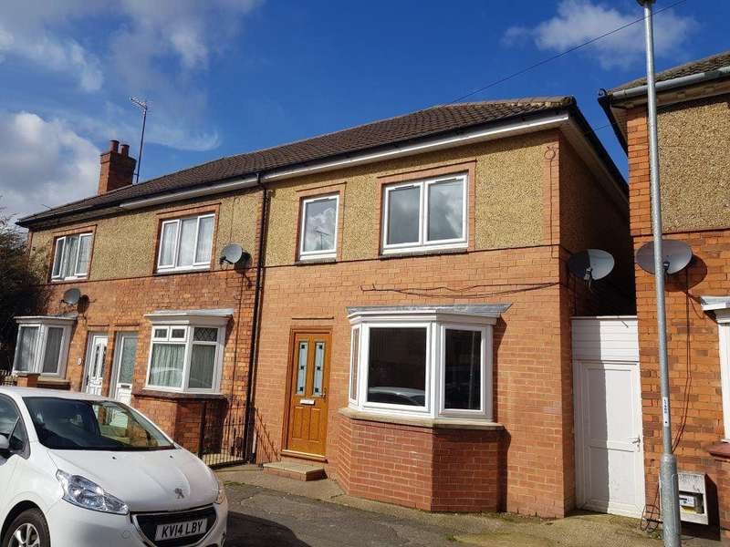 3 Bedrooms House for rent in Cornwall Road, Kettering, Northants