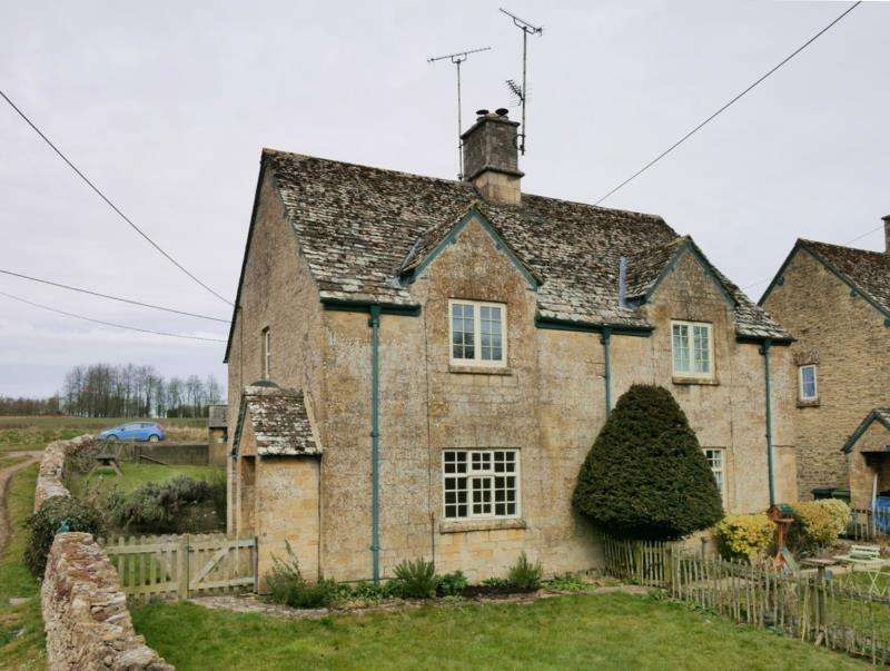 3 Bedrooms Cottage House for rent in Stowell Park Estate, YANWORTH