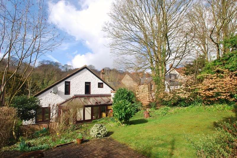3 Bedrooms Chalet House for sale in Station Road, Amersham, HP7