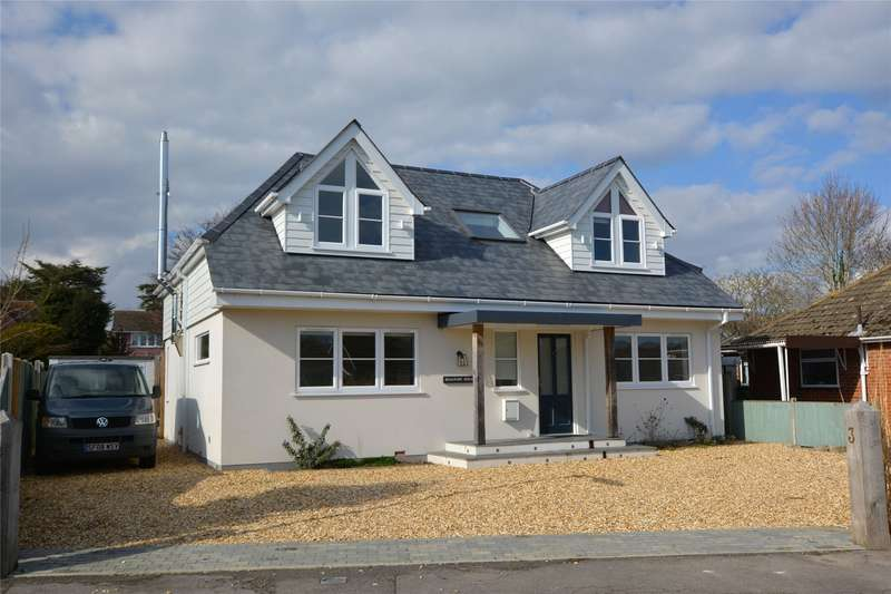 4 Bedrooms Detached House for sale in Springfield Close, Lymington, Hampshire, SO41