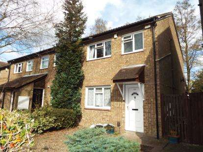 3 Bedrooms Semi Detached House for sale in Cumbria Close, Houghton Regis, Dunstable, Bedfordshire