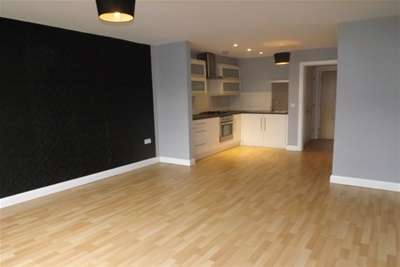 1 Bedroom Flat for rent in High Street,Newton le Willows,WA12