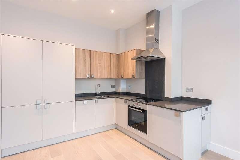 2 Bedrooms Flat for sale in Technology House, Furlong Road, Bourne End, Buckinghamshire, SL8