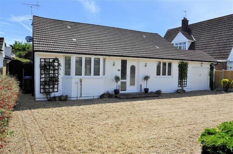 2 Bedrooms Detached Bungalow for sale in Wharf Road, Wraysbury, Berkshire