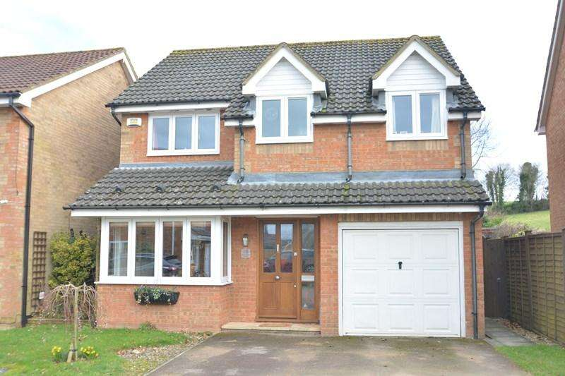 4 Bedrooms Detached House for sale in Pearman Drive, Andover