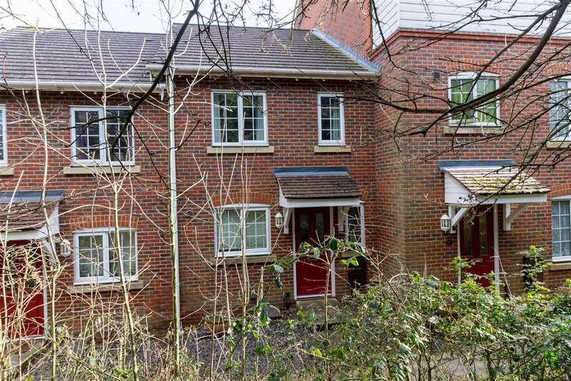 3 Bedrooms House for sale in Swaffer Way, Ashford