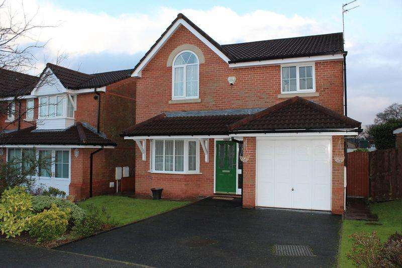 4 Bedrooms Detached House for sale in Buckley Chase, Milnrow, Rochdale, OL16 4BD