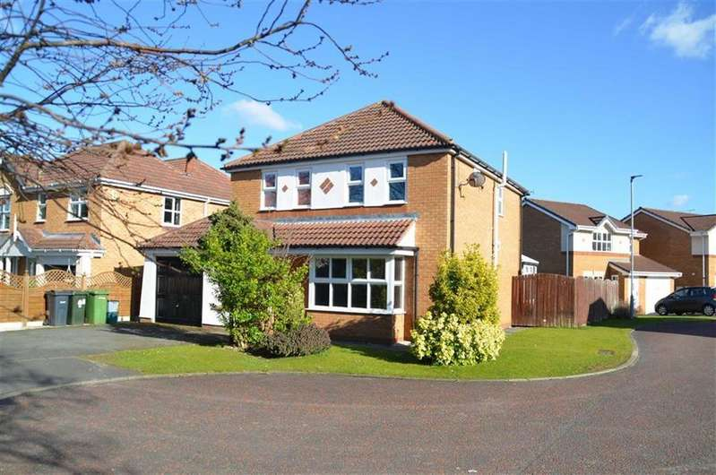 4 Bedrooms Detached House for sale in Rhum Close, Stanney Oaks, CH65