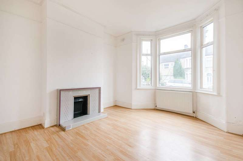 4 Bedrooms House for rent in Laleham Road, Catford, SE6