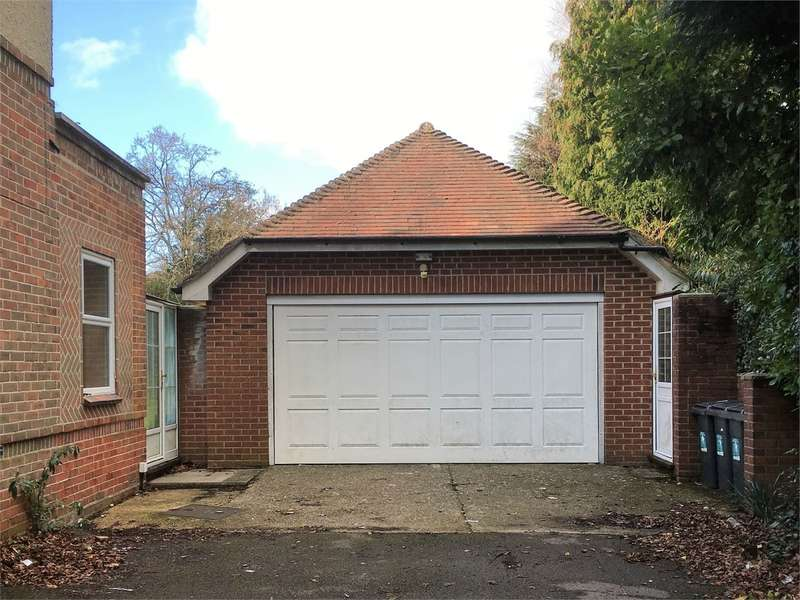 House for rent in Garage Unit, Alyth Road, Talbot Woods, Bournemouth, United Kingdom