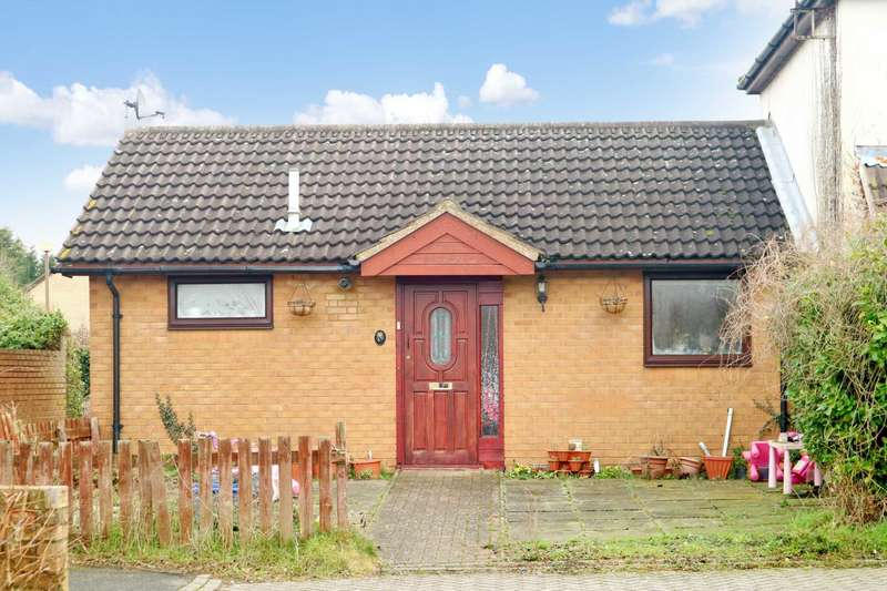 2 Bedrooms Bungalow for sale in Trueman Place, Milton Keynes