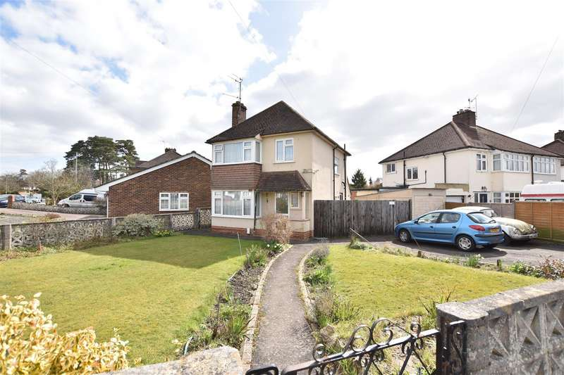3 Bedrooms Semi Detached House for sale in Barons Way, Reigate