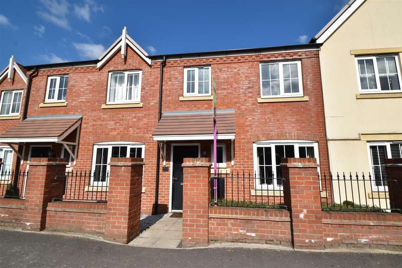 3 Bedrooms Terraced House for sale in Hanbury Road, Droitwich