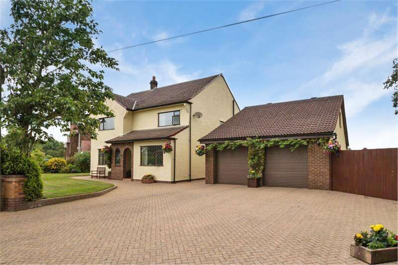 4 Bedrooms Detached House for sale in Yew Tree Lane, APPLETON THORN, Warrington, WA4