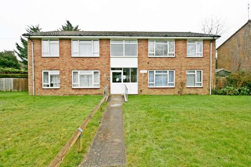 1 Bedroom Maisonette Flat for sale in Moore Crescent, Netley Abbey, Southampton, SO31 5BZ