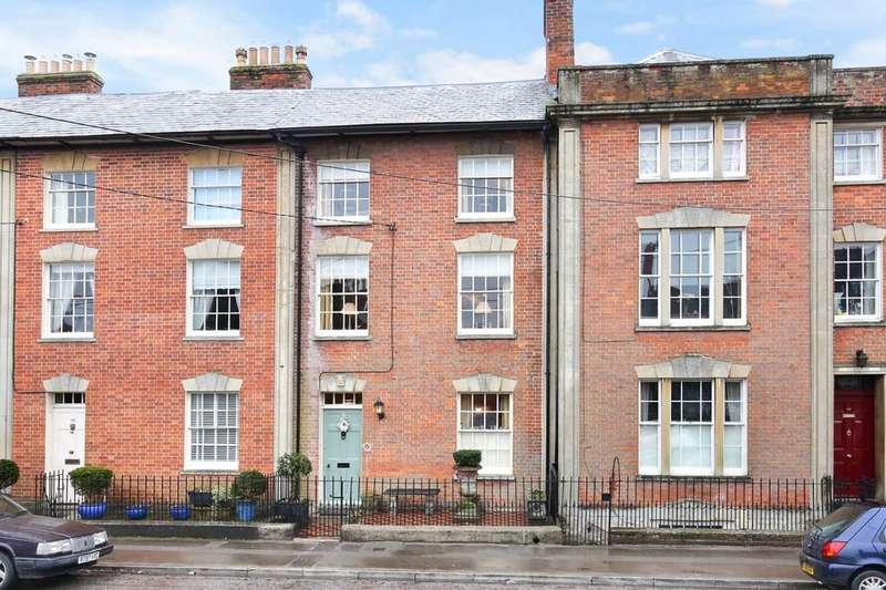 3 Bedrooms Town House for sale in Warminster, Wiltshire