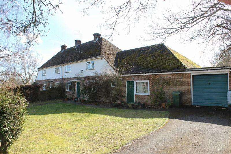 4 Bedrooms Semi Detached House for sale in Chantlers Hill, Paddock Wood