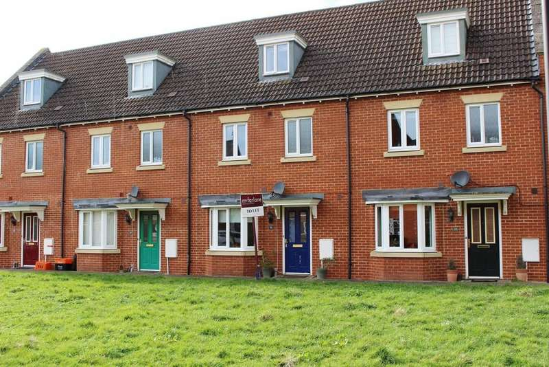 4 Bedrooms Terraced House for rent in Phoebe Way, Oakhurst