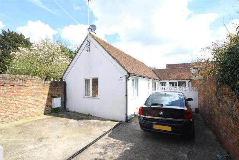 2 Bedrooms Bungalow for sale in Portsmouth Road, Milford, Godalming