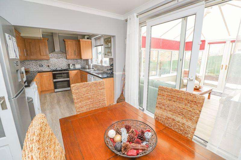3 Bedrooms Semi Detached House for sale in Alexandra Drive, Swalwell