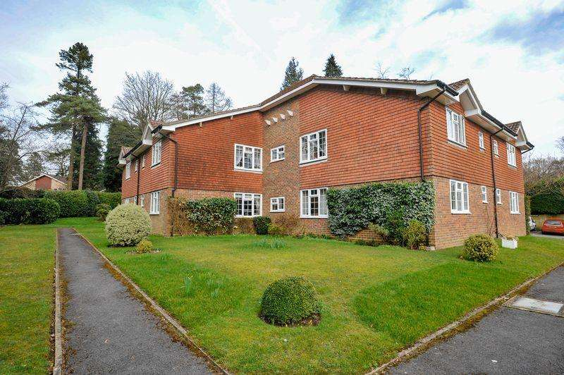 1 Bedroom Apartment Flat for sale in The Moorings, Hindhead