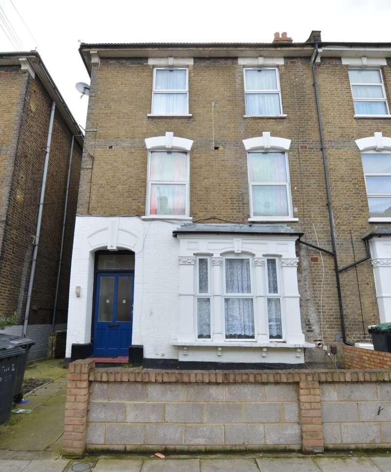 2 Bedrooms Maisonette Flat for sale in Ruskin Road, Tottenham, London, N17 8ND