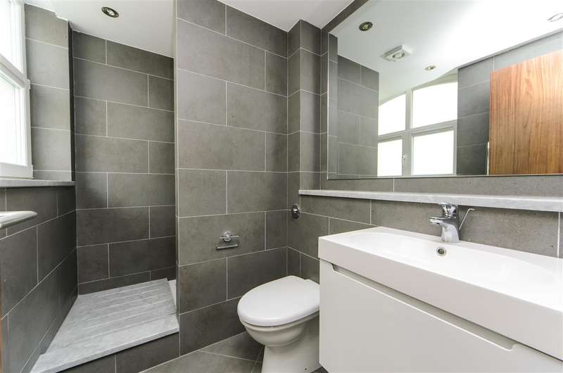 5 Bedrooms Property for rent in North Raod, Brentford