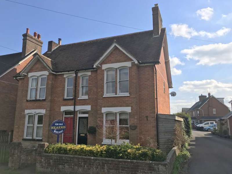 3 Bedrooms Semi Detached House for sale in WIMBORNE