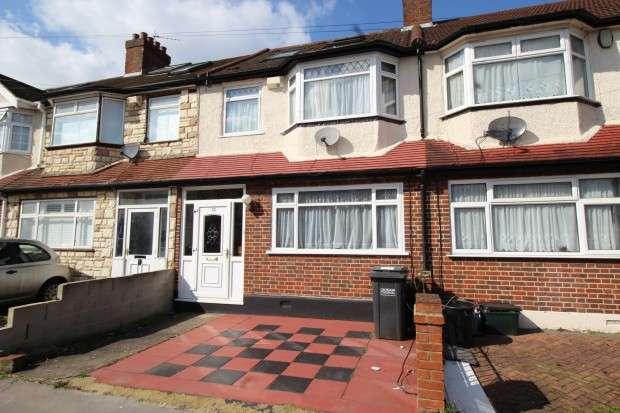 4 Bedrooms Terraced House for sale in Kynaston Avenue, Thornton Heath, CR7
