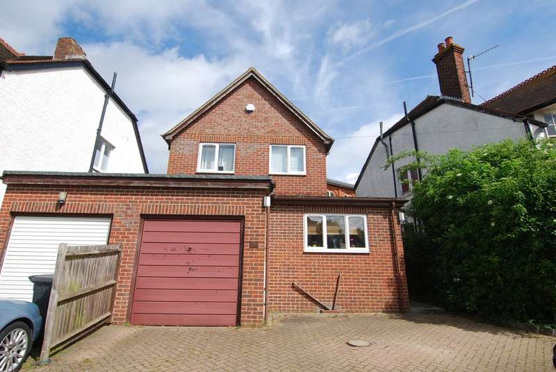 2 Bedrooms Property for rent in Lyons Crescent, Tonbridge TN9
