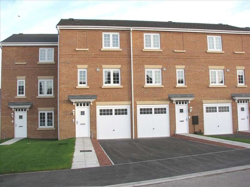 3 Bedrooms Property for sale in Water Avens Way, Stockton-on-Tees, Durham, TS18 3UP
