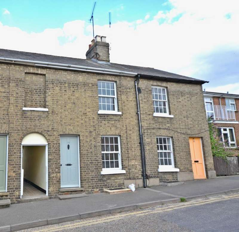 2 Bedrooms Terraced House for rent in Fairycroft Road, Saffron Walden, Essex
